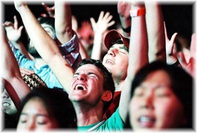 passion_05_worship_edit