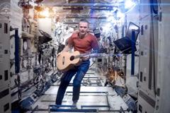 Space-Oddity-1886471