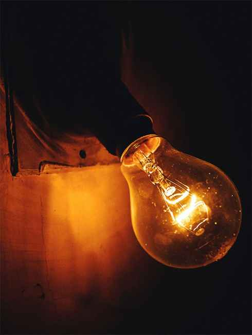 close up photography of a lightbulb